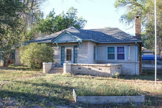 Small town living at it's best in historic Cokedale! - 1H2H Spruce St, Cokedale